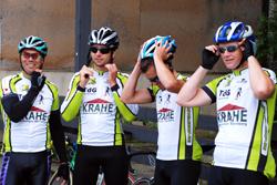 glückliche Radsportler